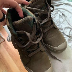 Keen Elsa Boots size 10